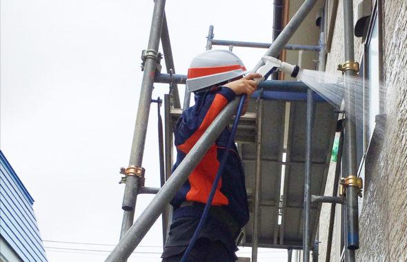 上越市外壁サイディングからの雨漏り散水調査
