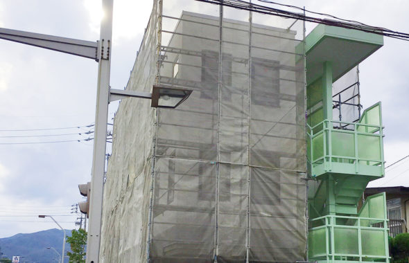 長野市雨漏り調査現場確認作業