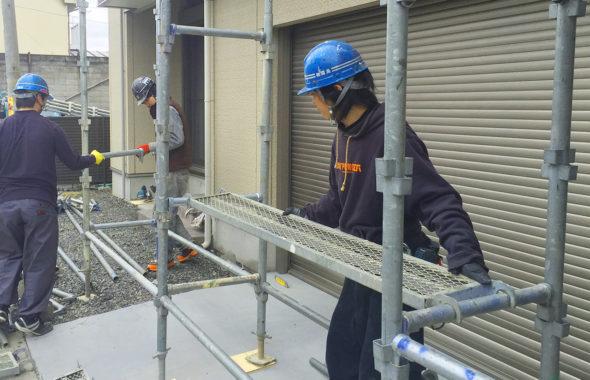松本市雨漏り調査前足場設置工事